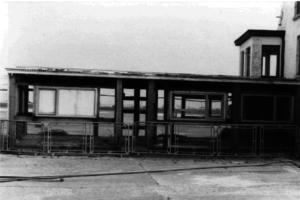 Het eerste gebouw waar de vliegclub zich vestigde.