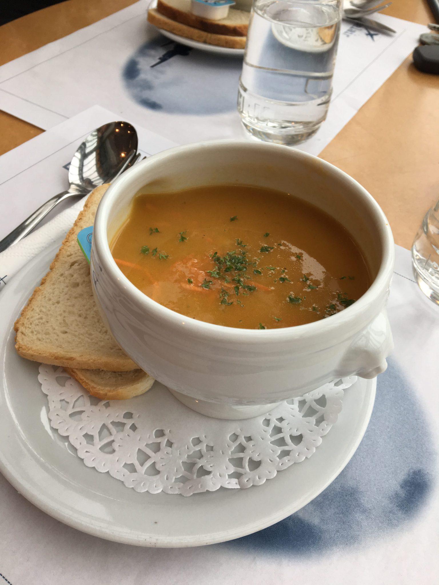 Soep van de dag was lekkere wortelsoep.