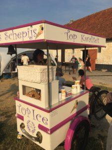 De 'foodbike' met ambachtelijk schepijs.
