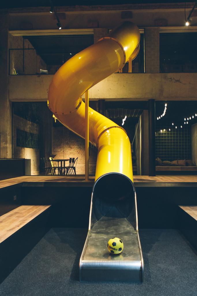 Upstairs hotel feestlocatie