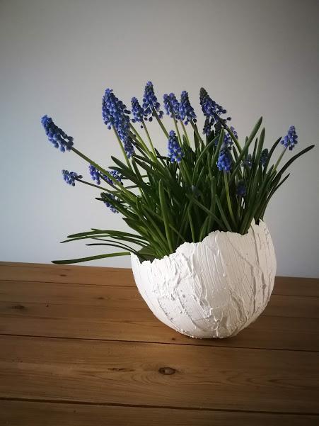 Paasdecoratie: Kunstige eierschaal door Lien Moijson